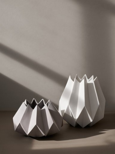 Folded_Vase_Location_02_1024x1024