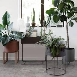 ferm-living-jardiniere-en-metal-taupe-60x25x65cm