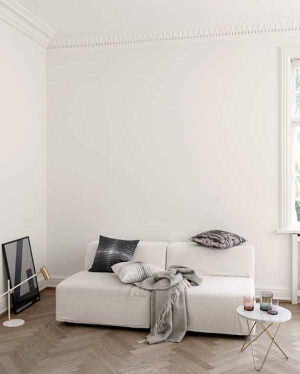 """modern retro sofa and loveseat newport beach schwarze möbel, weiße wände und das motto """"breakfast at ..."""