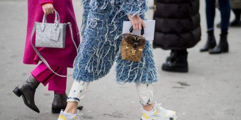 Tendencias 10 Looks con zapatillas que hemos visto en Paris Fashion Week y queremos imitar en este otoño