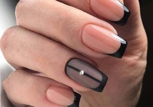 Gorgeous Two Toned Nail Arts and Images to Try in 2020