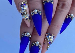 Lovely Blue Nail Designs & Stylish Look for 2020