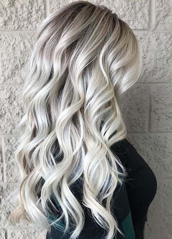 Gorgeous Long Blonde Hairstyles for Women in Year 2020