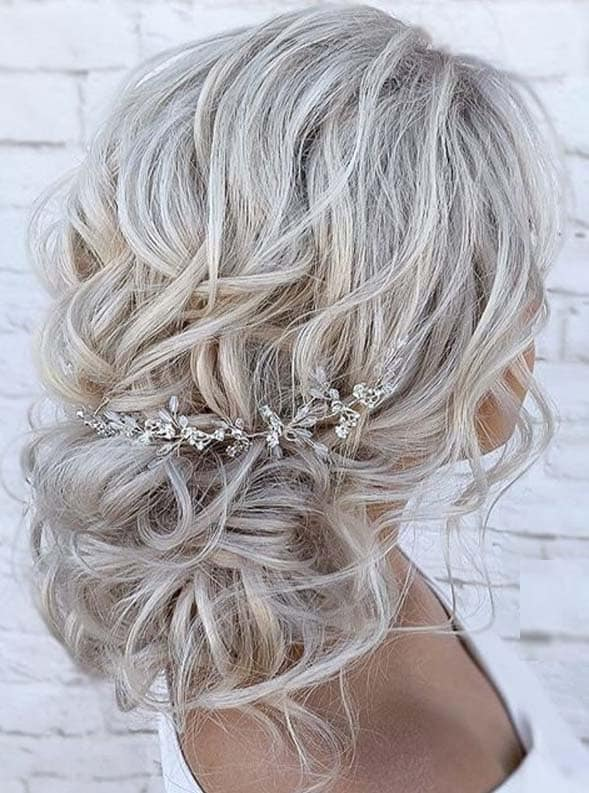 Fashionable Textured updos hair styles to Show Off in 2020