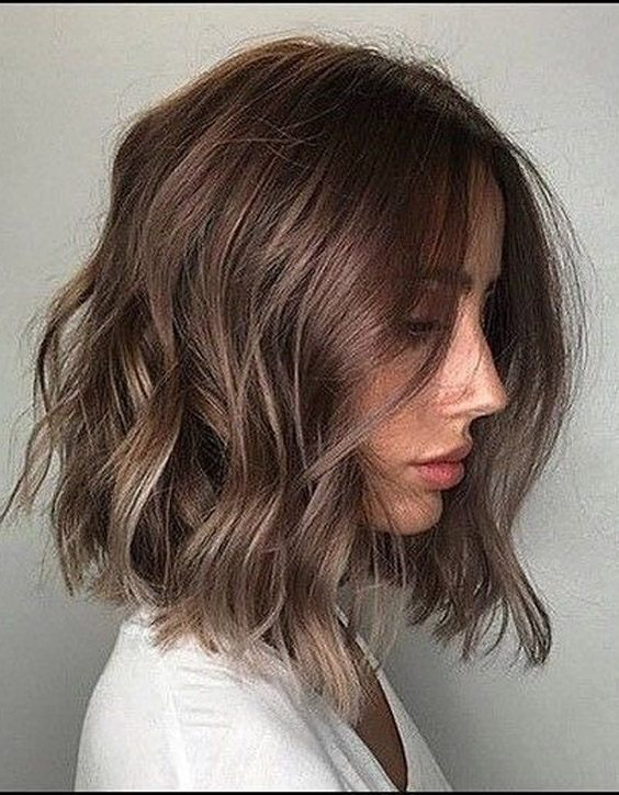 Vibrant Look of Medium Short Hair to Try Now
