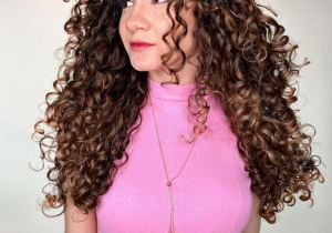 The Extra Ordinay Style of Curly Hair to Copy Now