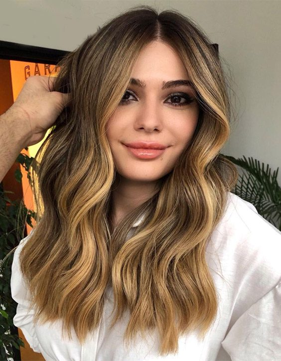 Honey Golden Hair Color Look to Try Now