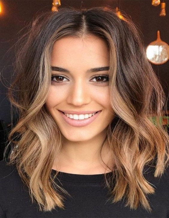 Adorable Style of Blonde Hair for Shoulder Length Hair