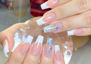 Elegant Nail Arts Designs and Images to Follow