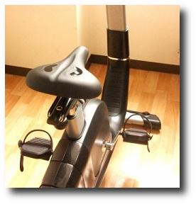 ジムのエアロバイクが暇!トレーニング中の時間を有効活用する方法!