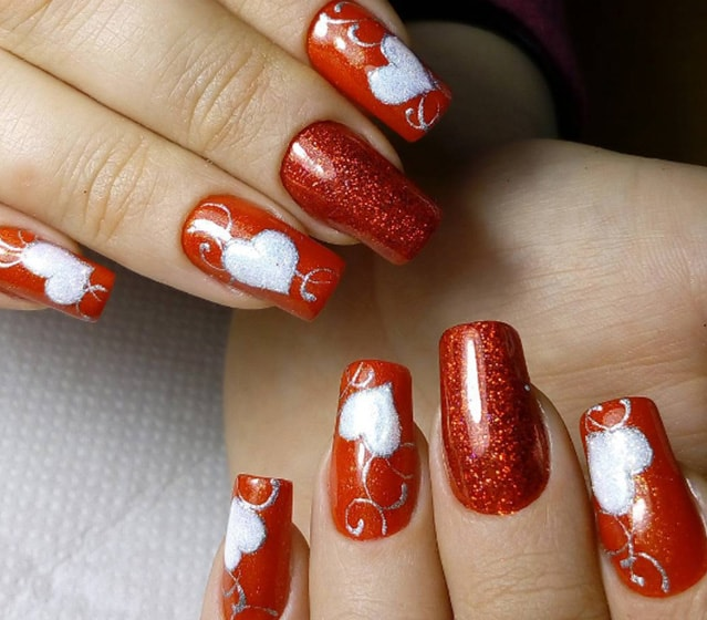 15-25 Romantic Heart Nails Designs
