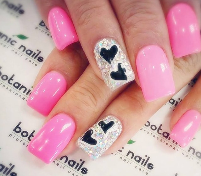 3-25 Romantic Heart Nails Designs