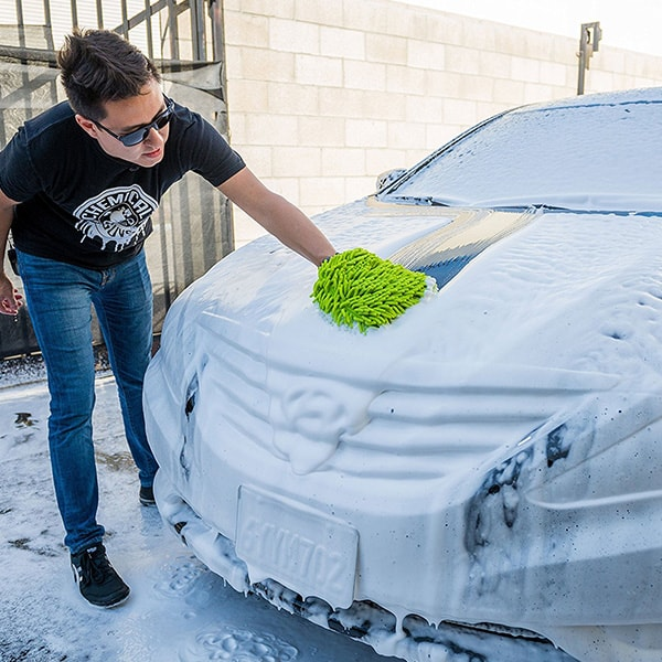 Use a Microfiber Mitt to Clean Your Car