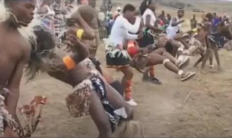 VIDEO: Abafana Basemawosi - Khath'ezakho mp4 download