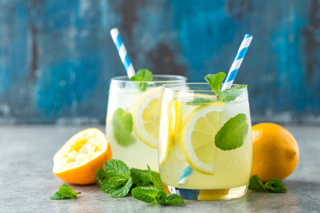 lemonade - Best Drinks to have to avoid Dehydration
