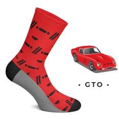 Só foram construídos 39 Ferrari 250 GTO, por isso é provável que este par de meias seja o mais próximo que se pode chegar a um deles. O design de malha foi inspirado nos faróis e nas entradas de ar desta máquina.