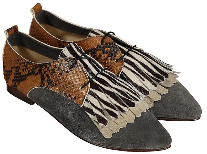 96f780935bb6 Há ainda dois novos modelos loafer Dust (Beige e Camel, 115 euros) e as  bootie sandal Sand, com os mesmos prints animal dos Dune. Já os slippers de  camurça ...