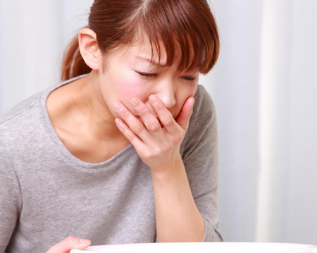 Dry heaving- 15 Causes Symptoms How to stop Home remedies