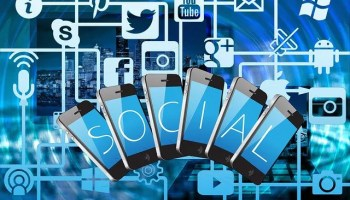 How Does Social Media Affect Traditional Marketing 2021