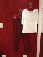 Trendy Store_Blusa franjas e calça em sarja resinada bordô