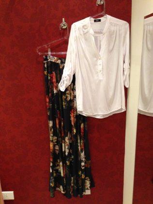 Trendy Store_Camisa e saia longa com estampa floral dark