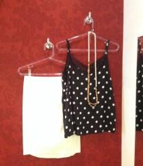 Trendy Store_Blusa de poá e saia lapis off-white