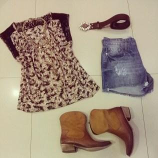Trendy Store_Blusa animal print + shorts jeans