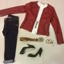 Trendy Store_Jaqueta courino matelassê, blusa e skinny jeans escura