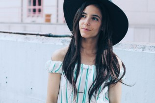 blog blogger jumpsuit mono trendy two gemelas carmen marta madrid españa ranking hombros al aire rayas corto
