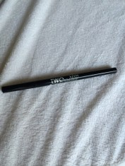 NYX two in one liner has a fine pointed liquid liner and a pencil liner