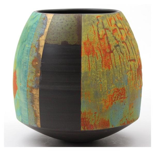 Black Porcelain Pot #1, Tony Laverick