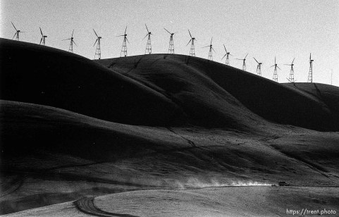 PG&E Windmills.