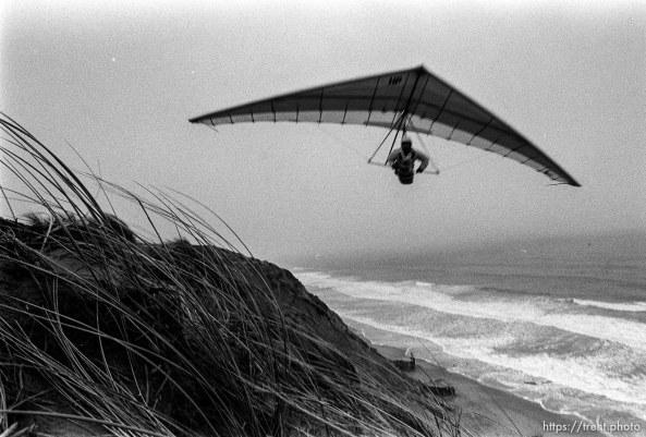 hang glider at Fort Funston.