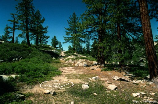 Symbol in rocks at Sword Lake