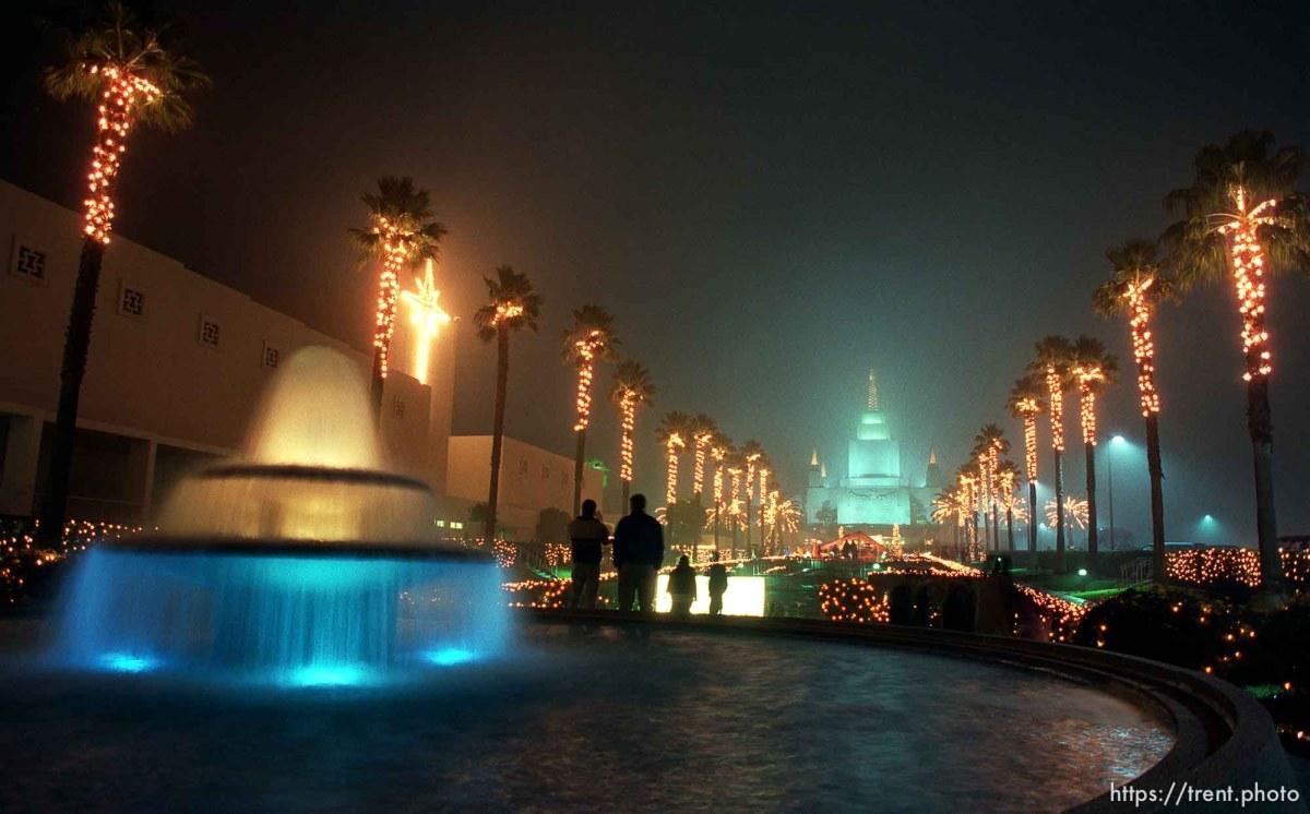Christmas Lights Oakland Temple – trent.photo