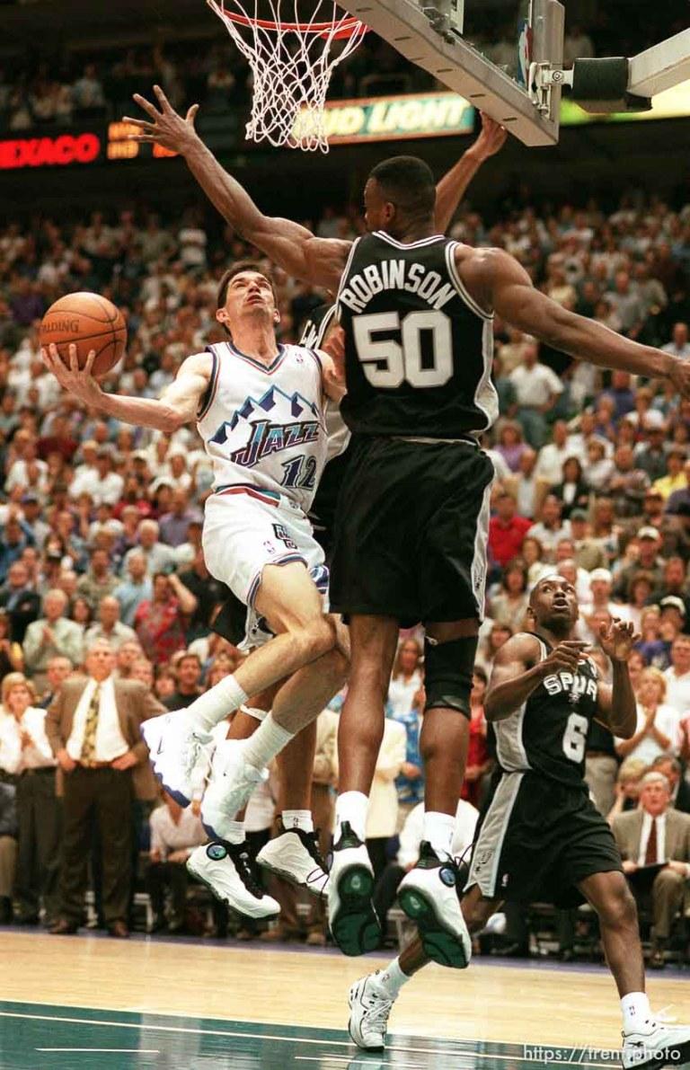 Utah Jazz v San Antonio Spurs, Game 2