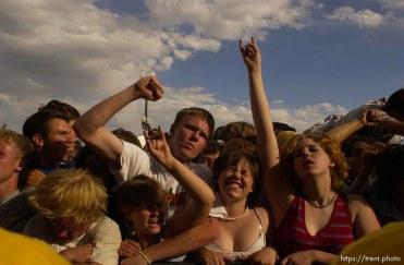 NOFX. Warped Tour. 06/22/2002, 6:31:12 PM