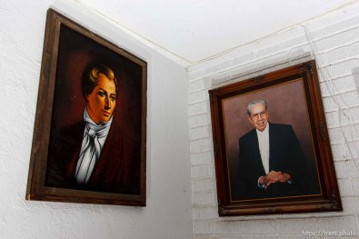 Marvin Wyler home, Joseph Smith, Rulon Jeffs portraits