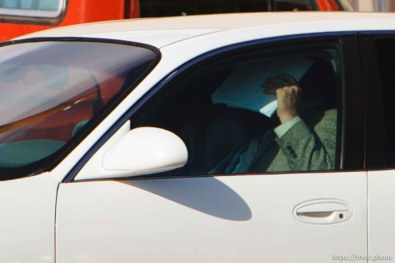 Kelly Fischer leaves the Mohave County Superior Court in Kingman, Arizona during a lunch break at his trial where he faces two felony counts: sexual conduct with aminor and conspiracy to commit sexual conduct with a minor. 7.05.2006