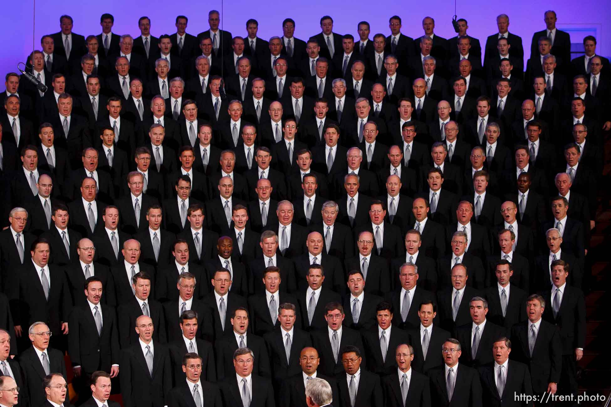 mormon tabernacle choir. LDS General Conference, and re-dedication of the historic tabernacle building after a renovation.