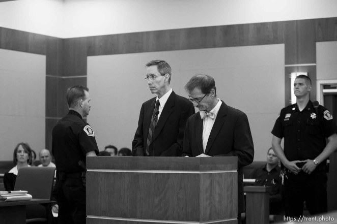 Trent Nelson | The Salt Lake Tribune Warren Jeffs, leader of the FLDS Church, appeared before Judge Terry Christiansen in Third District Court Tuesday, September 7, 2010 in West Jordan, Utah. At right is his attorney Walter Bugden.
