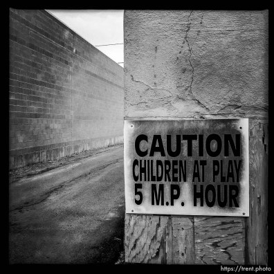 caution children at play 5 mp hour. south state project.