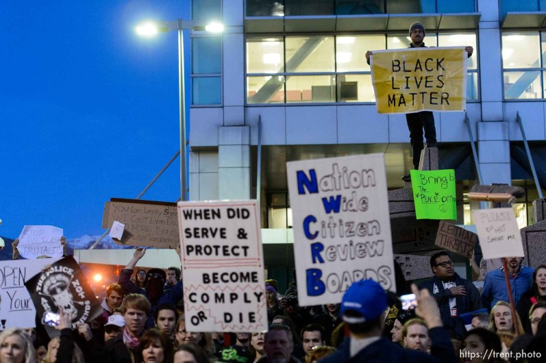 Trent Nelson   The Salt Lake Tribune Protesters at the Wallace Bennett Federal Building protest the police shooting of 17-year-old Abdi Mohamed on Saturday night, Monday February 29, 2016.