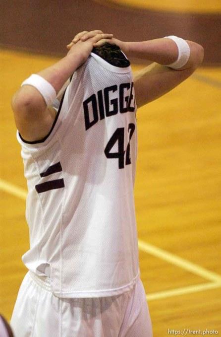 Jordan loses to Riverton. 01/13/2004