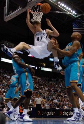 Andrei Kirilenko dunk. Utah Jazz vs. New Orleans/Oklahoma City Hornets NBA Basketball.