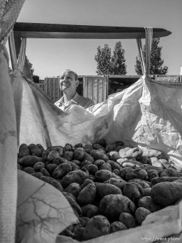 Trent Nelson | The Salt Lake Tribune Gabriel Owen delivers three tons of potatoes to members of the FLDS polygamous sect in Colorado City, Saturday July 15, 2017. Owen and the Davis County Cooperative Society have been offering service and donations to needy FLDS members who were evicted from UEP homes in Hildale and Colorado City, Ariz.
