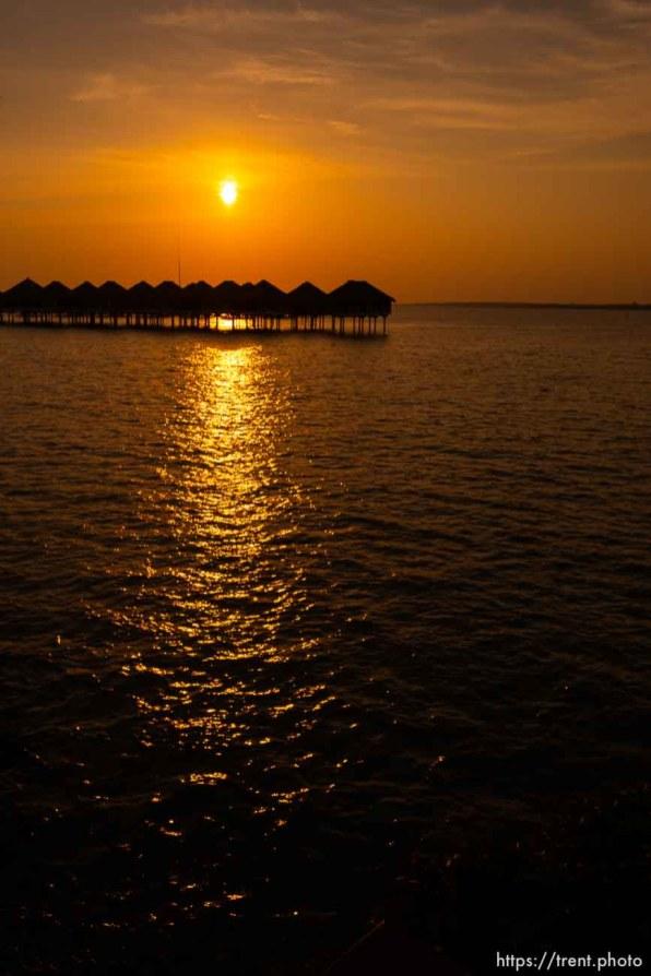 sunset, AVANI Sepang Goldcoast Resort, July 29, 2019