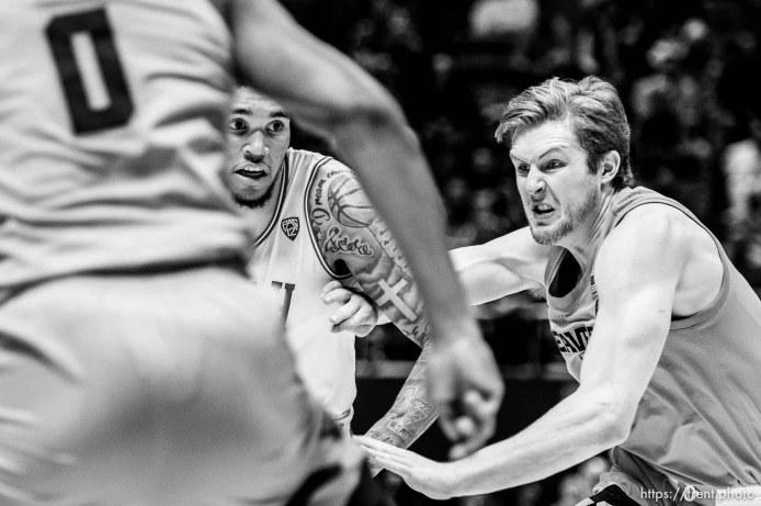 (Trent Nelson | The Salt Lake Tribune) Utah Utes forward Timmy Allen (1), Oregon State Beavers guard Zach Reichle (11) as the University of Utah hosts Oregon State, NCAA men's basketball in Salt Lake City on Thursday, Jan. 2, 2020.