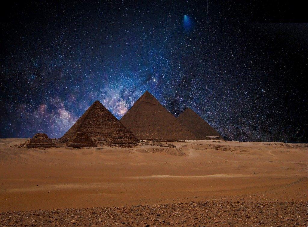 visite-pyramide-égypte-étoile