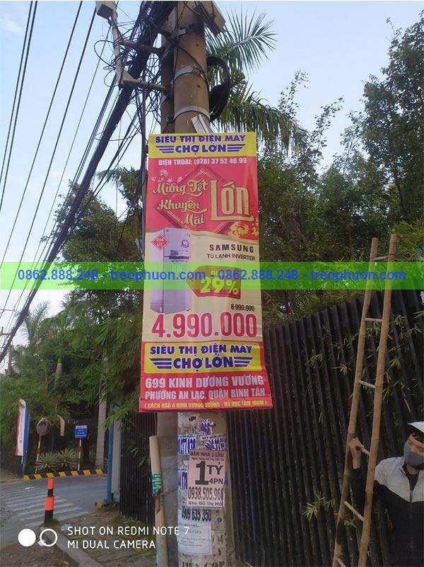 Treo banner khuyến mãi điện máy chợ lớn